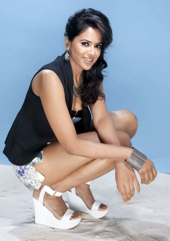 Sameera Reddy Hot Stills