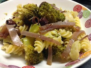 pasta con broccoli e tonno affumicato aromatizzata al limone