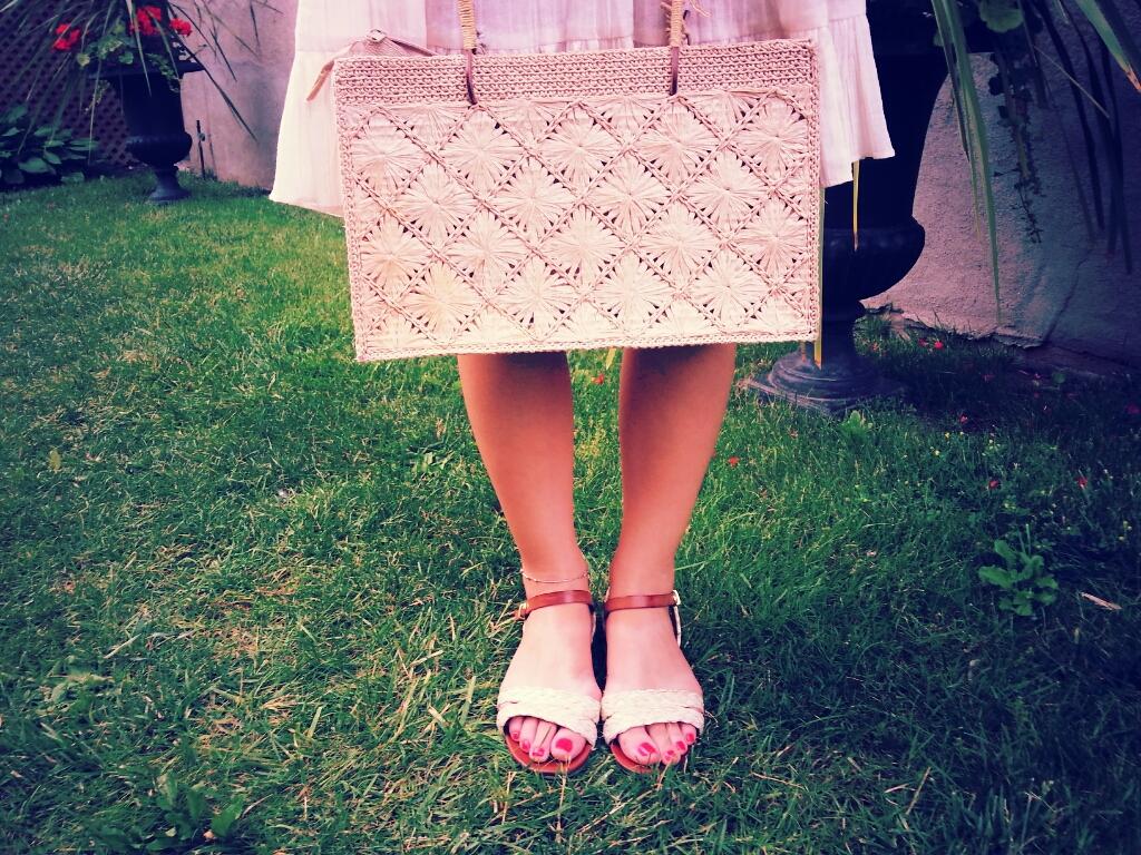 sandals straw handbag
