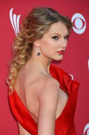 Taylor Swift Dress Malfunction Caught Nipple