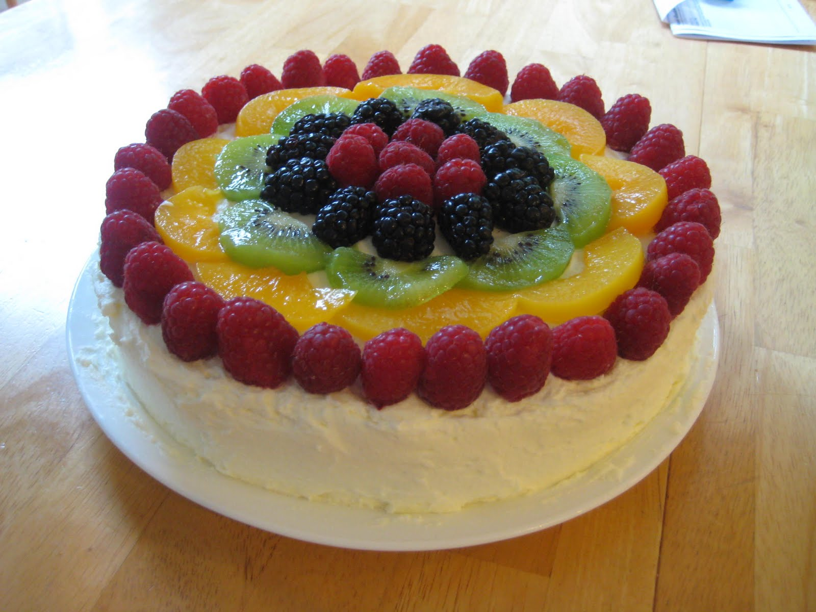 Cake With Fruits On Top : Gim s Delish Delights: Berry Fruit Cake