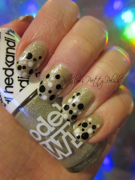 Sparkly-polka-dot-nail-art.jpg