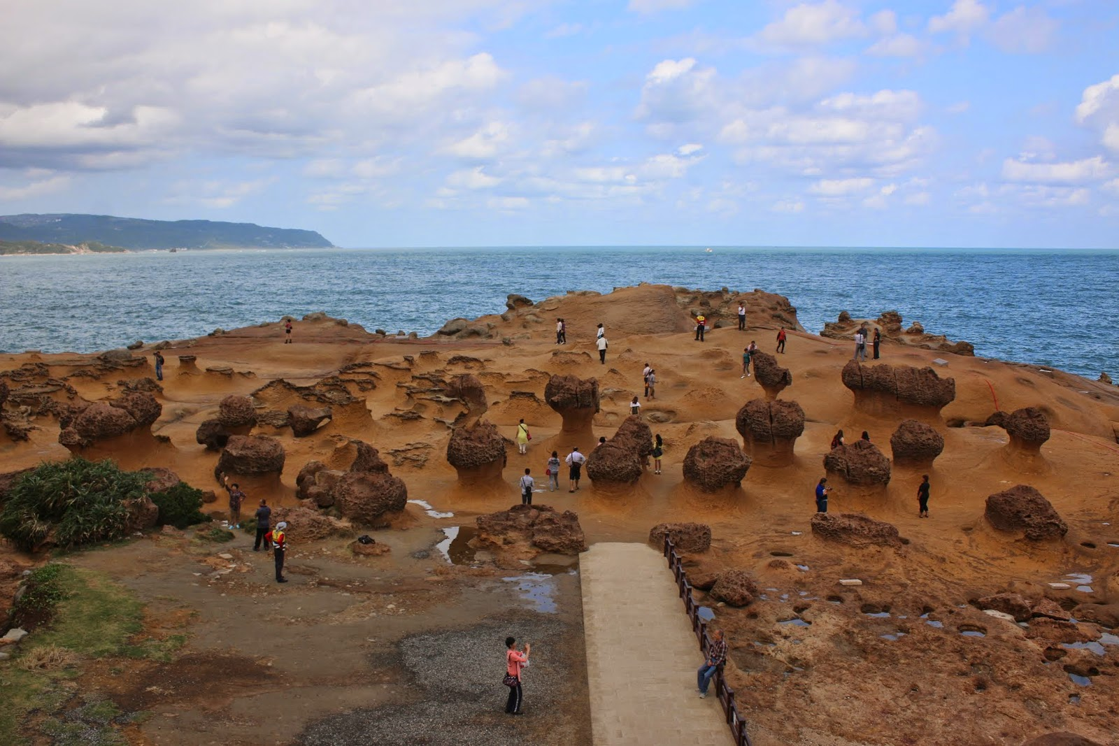 Watching all kinds of rocks evolution at Yehliu Geopark in Taiwan