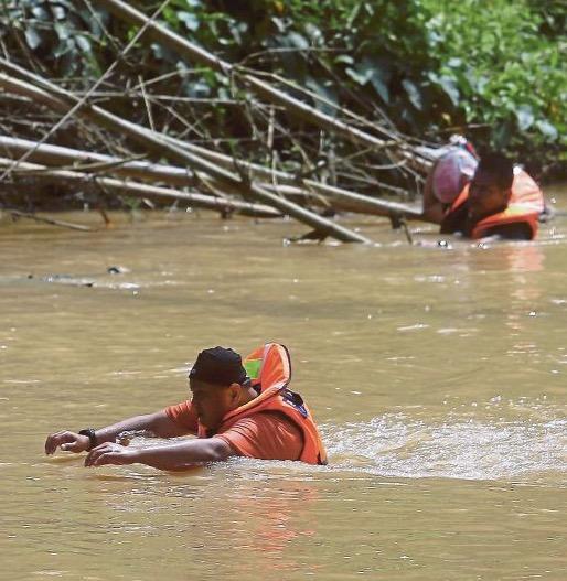 Walau Tertelan Air Mayat, Pasukan Penyelamat Terus Cekal Mencari