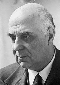 Γιώργος Σεφέρης(Σμύρνη 29 Φεβρουαρίου/13 Μαρτίου 1900 – Αθήνα 20 Σεπτεμβρίου 1971)