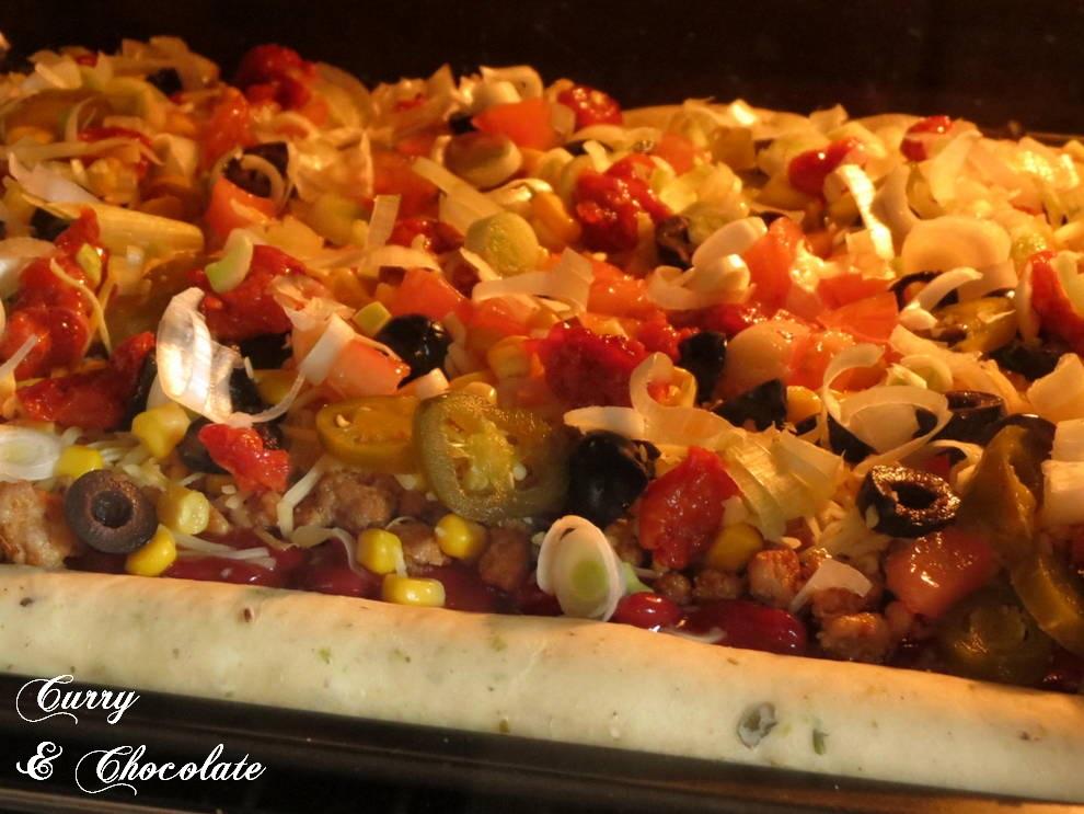 Horneando la pizza taco