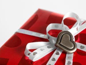 6 Best Valentine Gift Ideas For Wife-Girlfriend