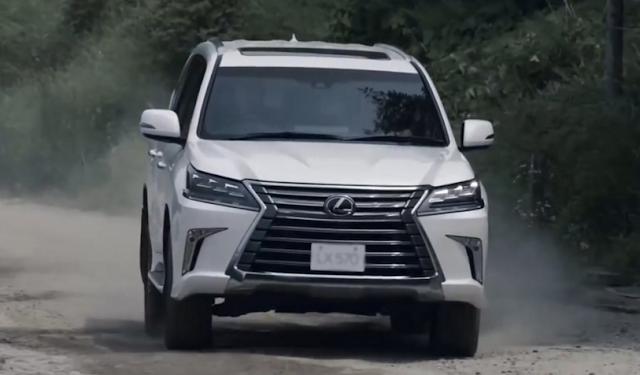 2017 lexus lx 570 specification powertrain and changes future vehicle news. Black Bedroom Furniture Sets. Home Design Ideas