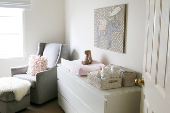 Iheart organizing uheart organizing a small space nursery diy - Baby room ideas small spaces property ...