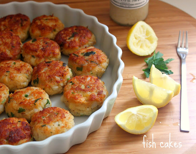 Kitchen snaps simple fish cakes for Old fashioned cod fish cakes