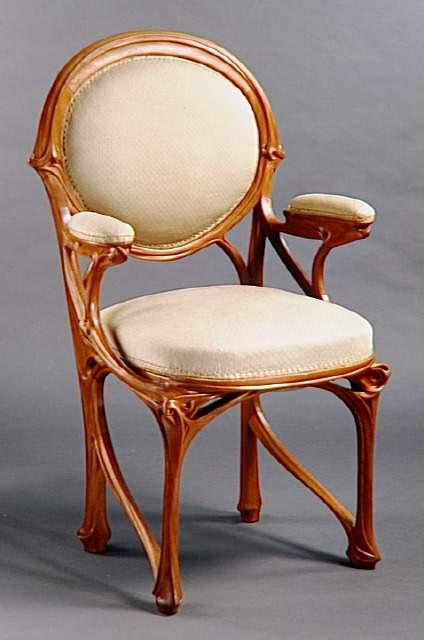 Hektors Gimārs (Hector Guimard) (1867, Liona -1942, Ņujorka) – Jūgendstila spilgtākais pārstāvis Francijā.