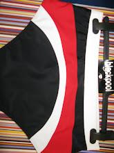 BLACK/WHITE/RED INSERT
