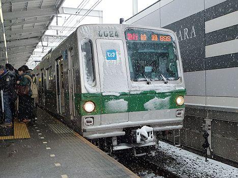 小田急線 東京メトロ千代田線直通 急行綾瀬行き6000系大雪