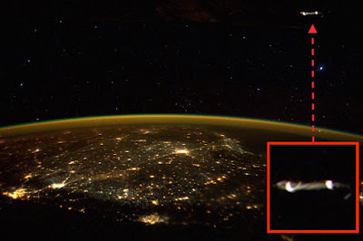 Astronaut Scott Kelly Tweets Photo of UFO From Space Station 2015, UFO Sightings