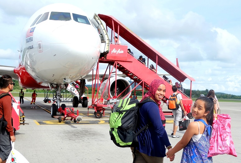 how to go to texel island from schipol airport
