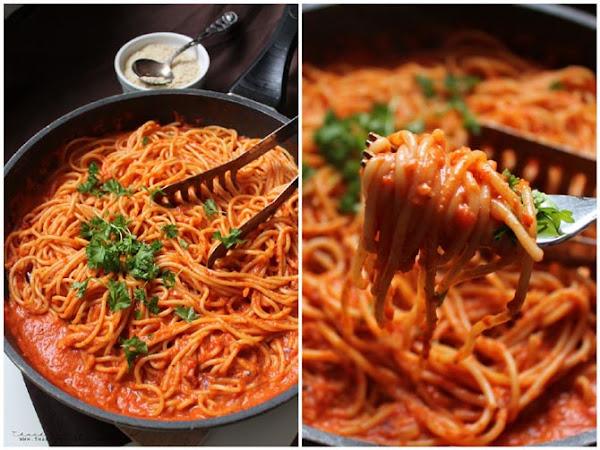 Triple P - Pasta mit Paprikasoße und veganem Parmesan!