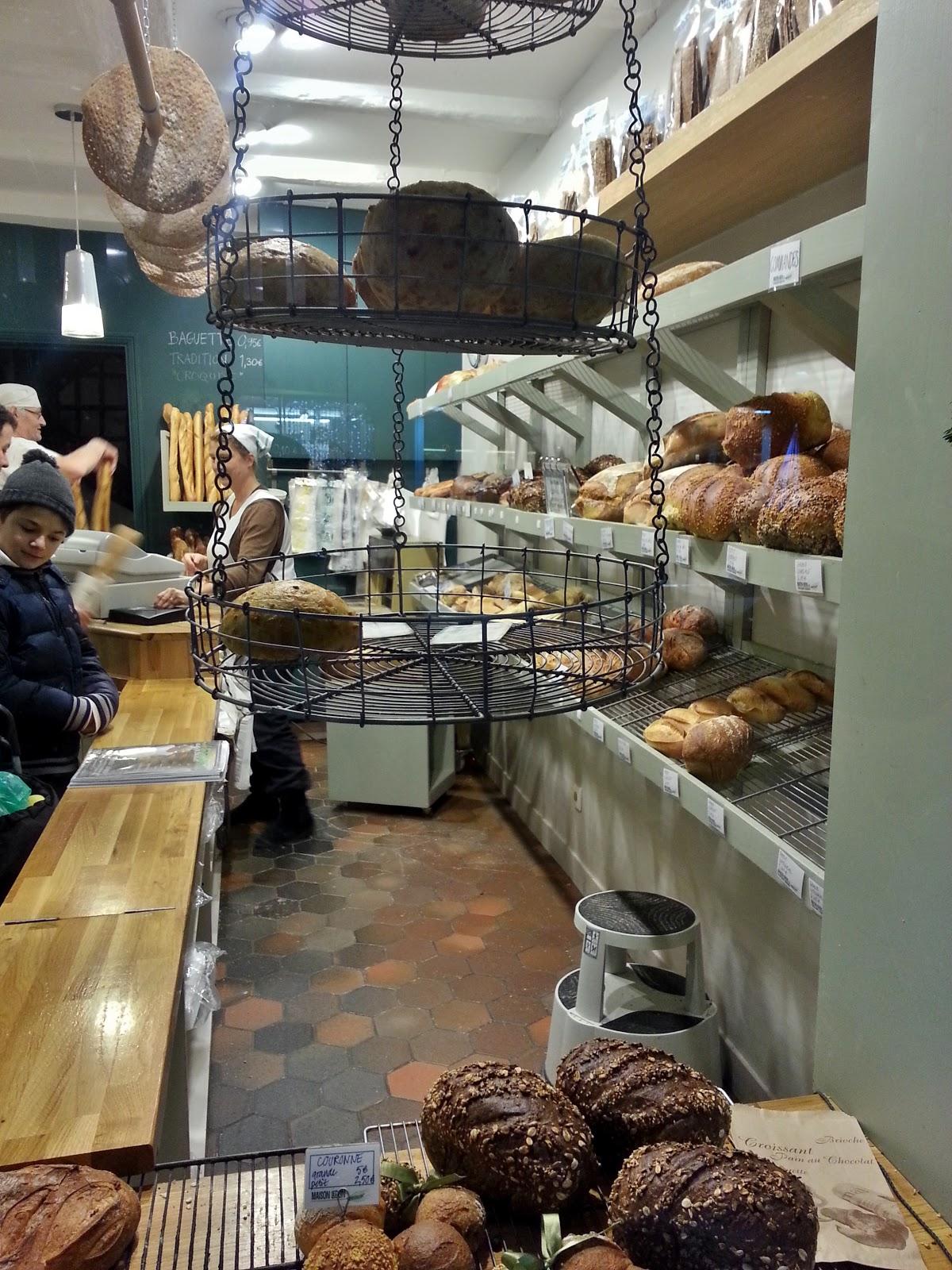 Et encore moins suédois. Et pourtant, en alliant originalité et qualité,  cette boulangerie du XVIIe nous a fait bonne impression.