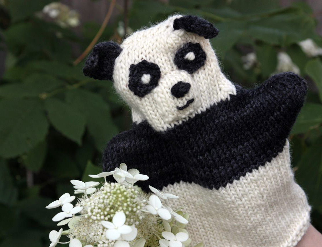 handmade by stefanie: FO Friday: Panda Puppet!