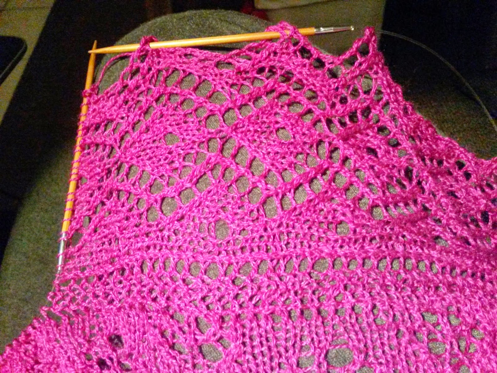 Knitting Picking Up Stitches For Border : Frisian Frillies: New needles and a pink shawl - Nieuwe naalden en een roze s...