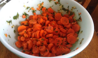 Balsamic carrot salad