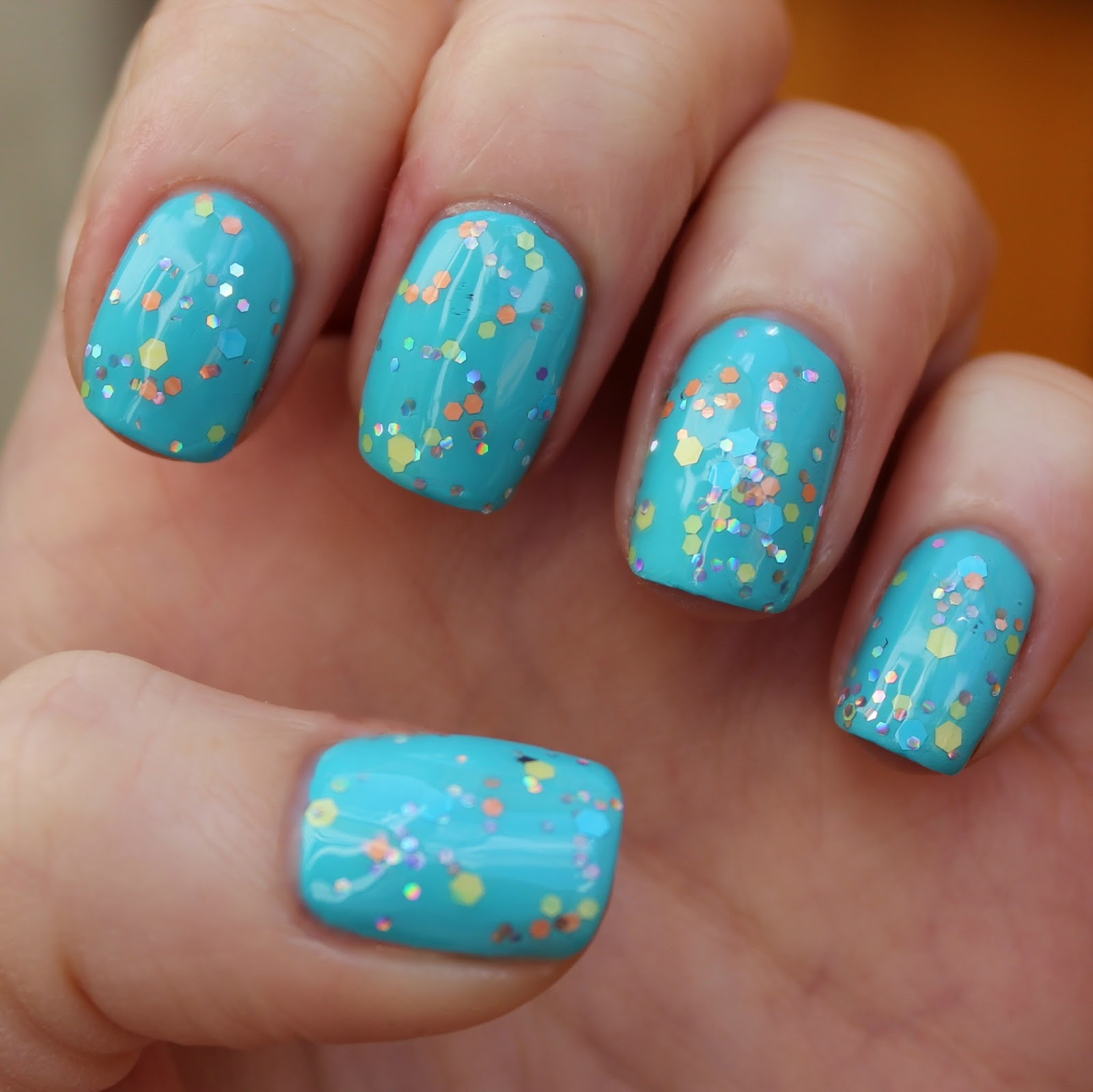 Dahlia Nails: Easy Festival Nails