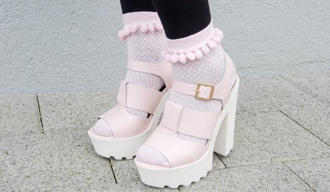 pompom socks, chunky sandals, pastel pink platform sandals