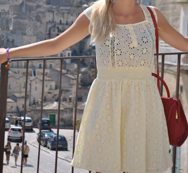 abito in pizzo sangallo outfit abito in pizzo sangallo abito in sangallo pizzo sangallo outfit agosto 2015 outfit estivi outfit estivi casual come vestirsi in vacanza outfit vacanza lace dress how to wear lace dress summer lace dress come abbinare un abito in pizzo outfit abito in pizzo abiti in pizzo estivi abiti estivi in pizzo mariafelicia magno fashion blogger fashion blog italiani ragazze bionde blonde hair blonde girls summer outfit summer casual outfit