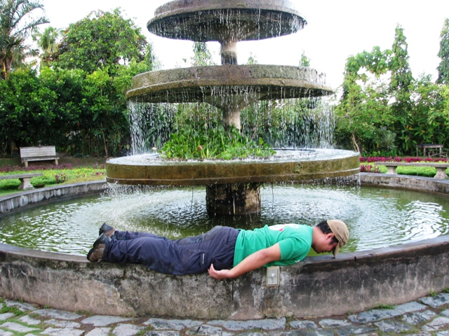Planking -- more fun in The Ruins