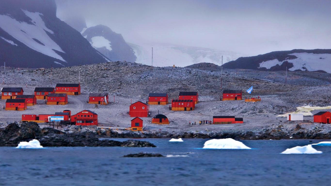 Esperanza Base, Antarctica (© Bill Young/Danita Delimont) 507