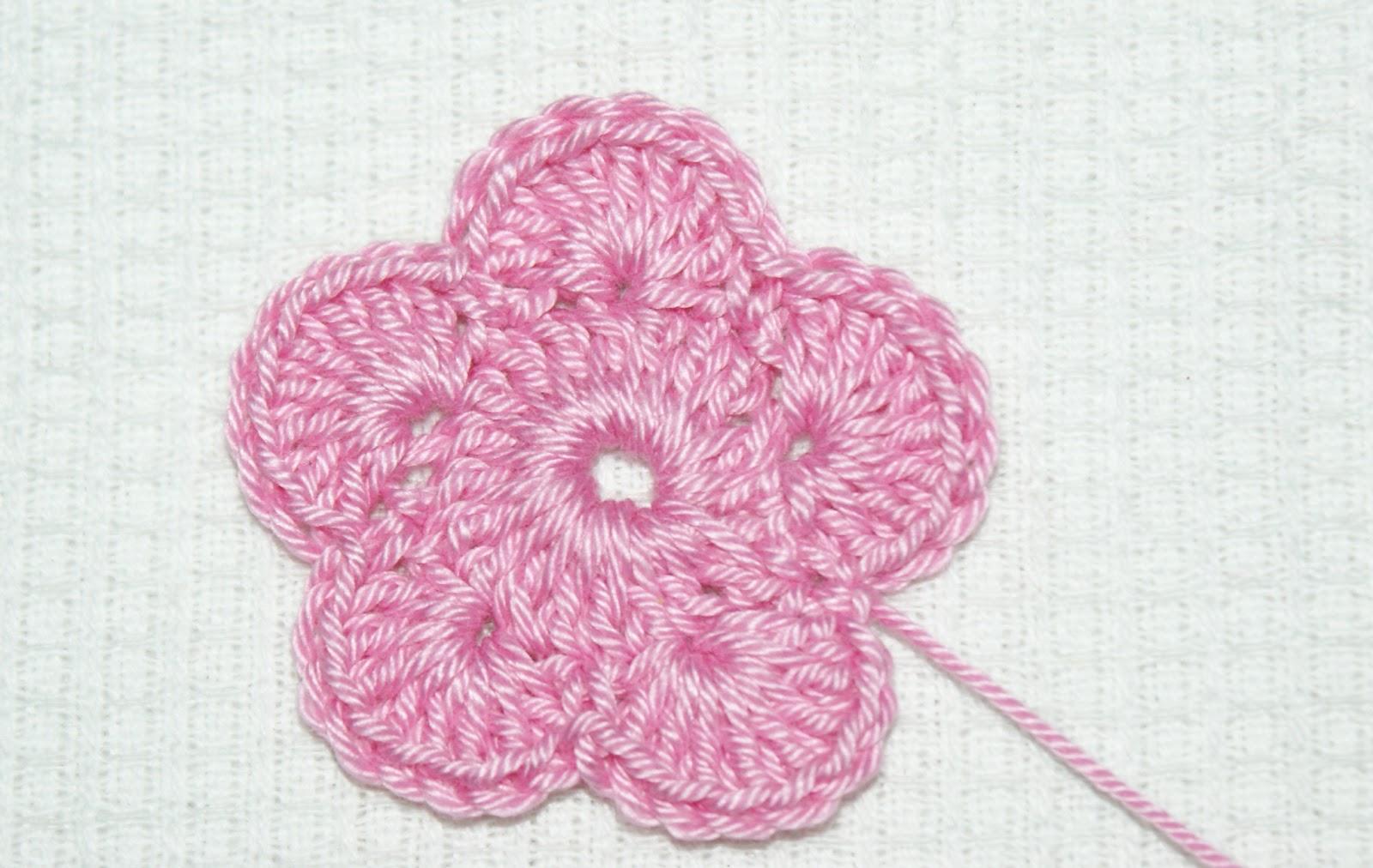 crochet magic for all: Day 16-18 Five petal, fluffy flower ...
