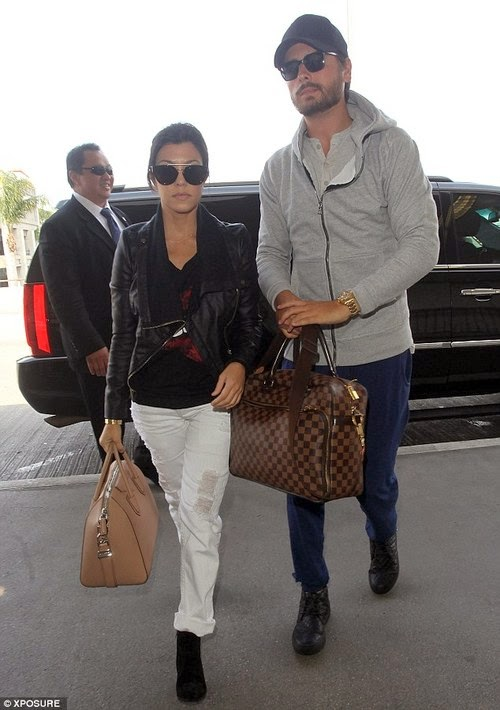 entertainment news kourtney kardashian chases scott disick while wearing