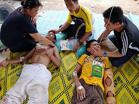 http://4.bp.blogspot.com/-YKADSJFN590/TdhLZ1lSvAI/AAAAAAAABuM/mCF14OEu1eM/s1600/mangsa-tanah-runtuh-rumah-anak-yatim28.jpg