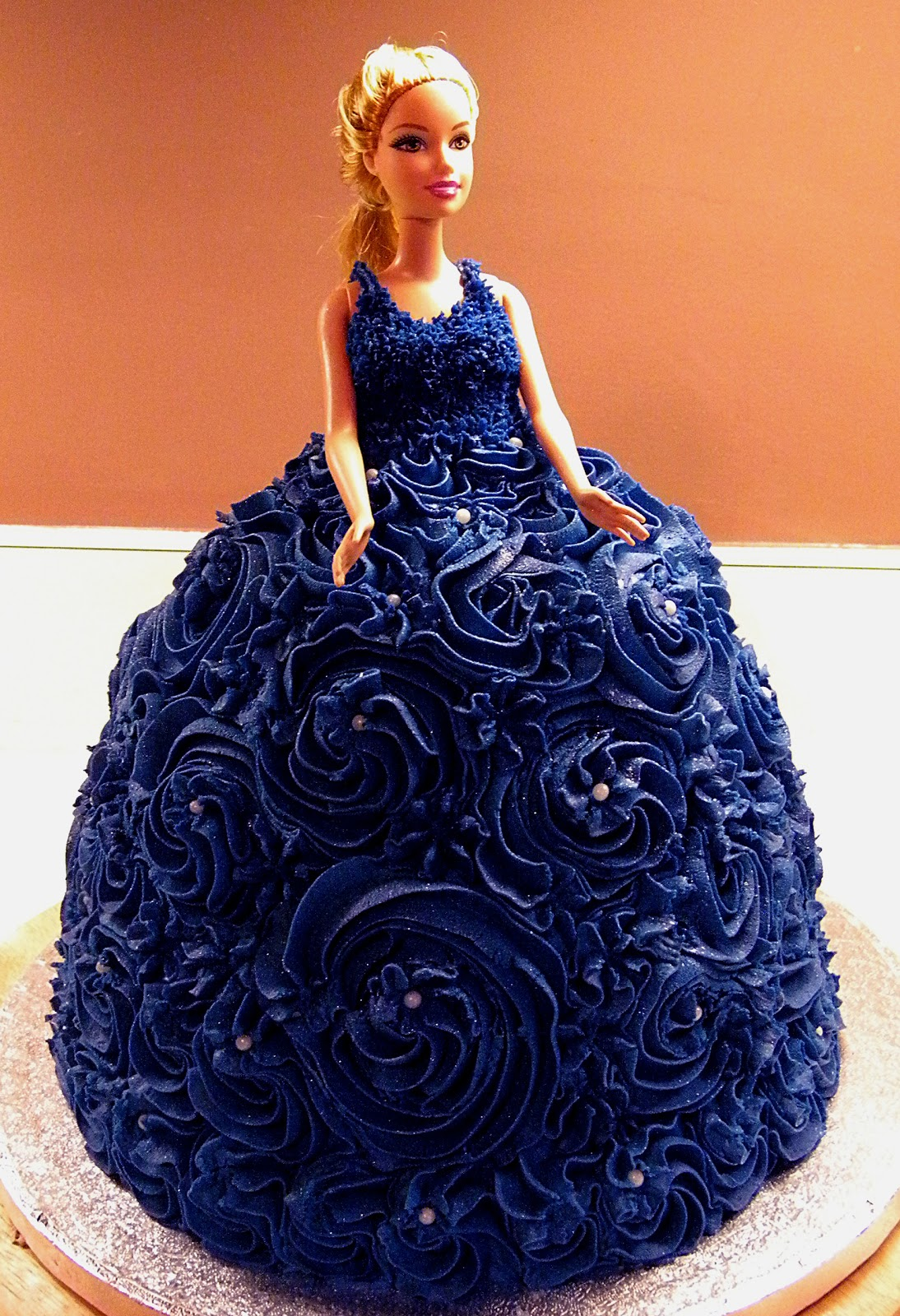 Cake and Jewelry: The Barbie cake