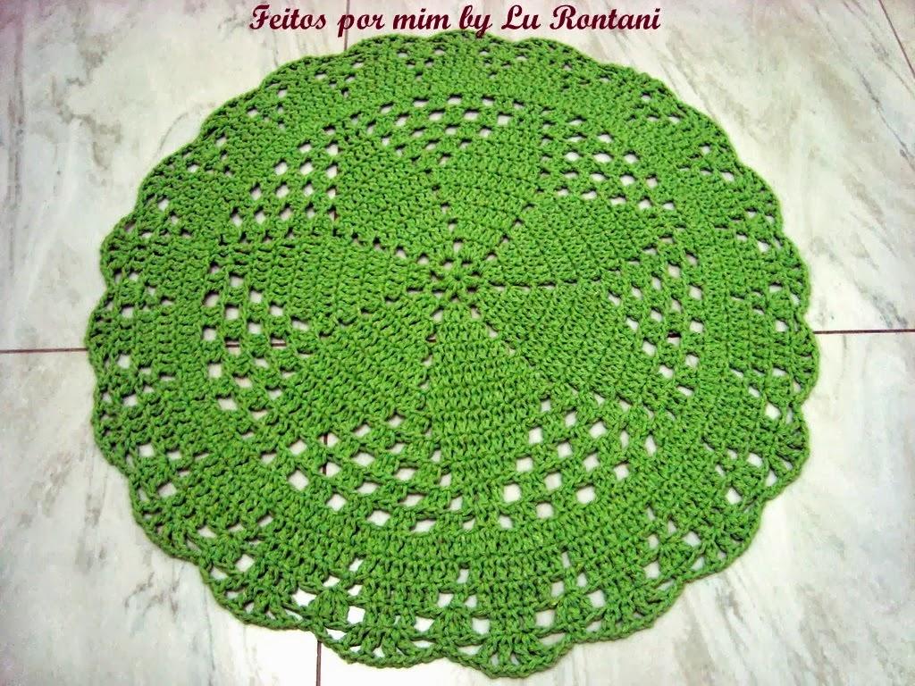 Tapete redondo na cor verde
