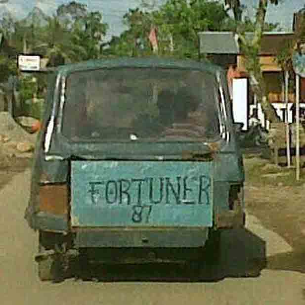 Mobil Mewah Dijual Murah