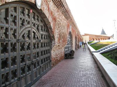 сувенирные лавки Казанского кремля