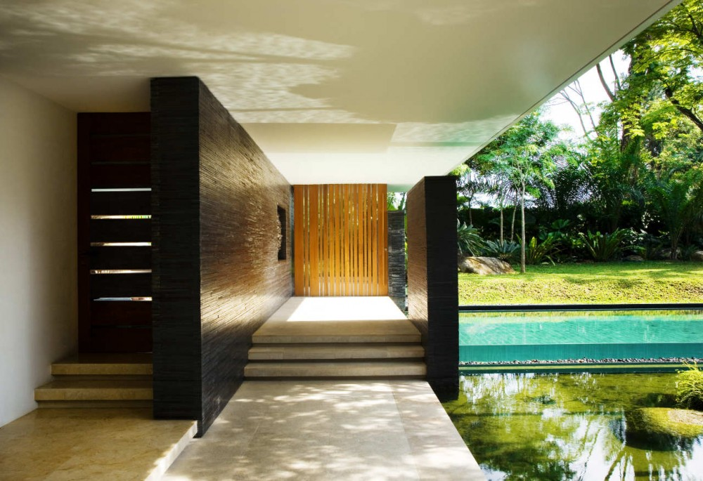 Luxury sustainable green roof house design singapore - La residence exotique fish house singapour ...