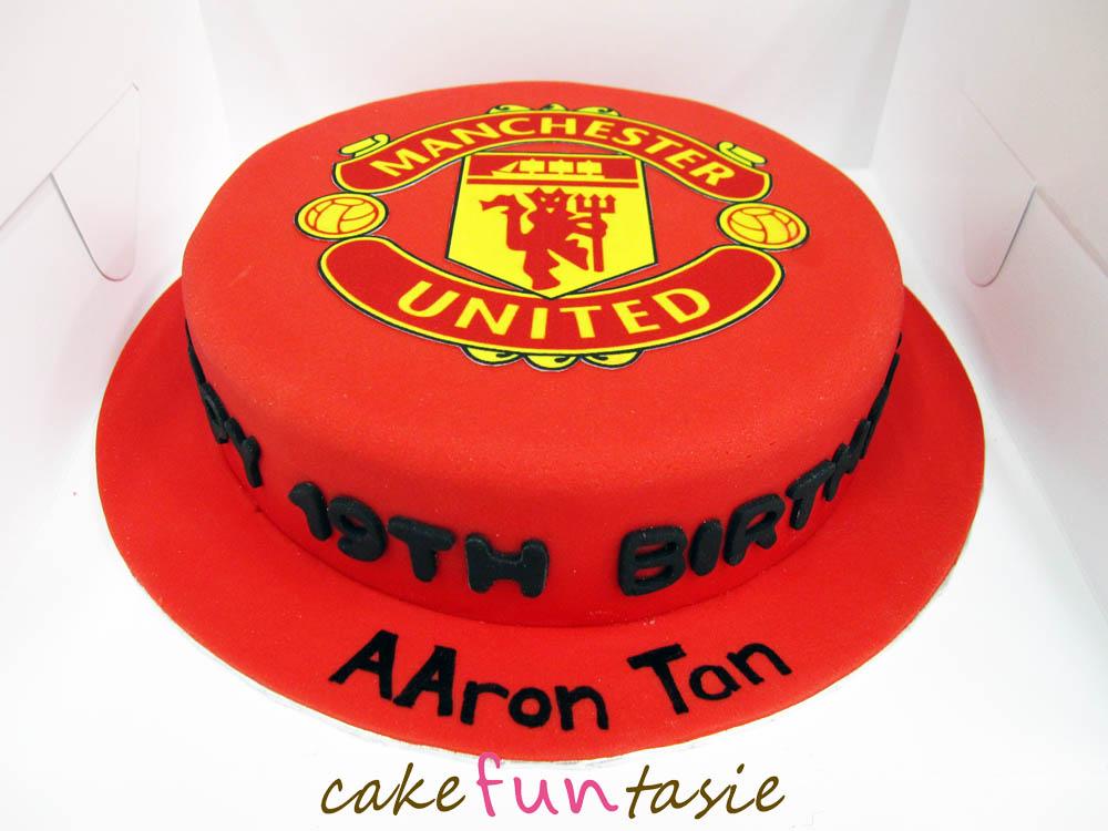 Images For Man United Cake : Cake Funtasie: Manchester United Logo Cake