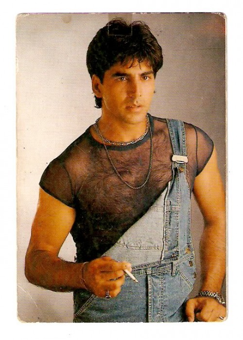Check Out Akshay Kumar's Hot Shirtless Selfie!