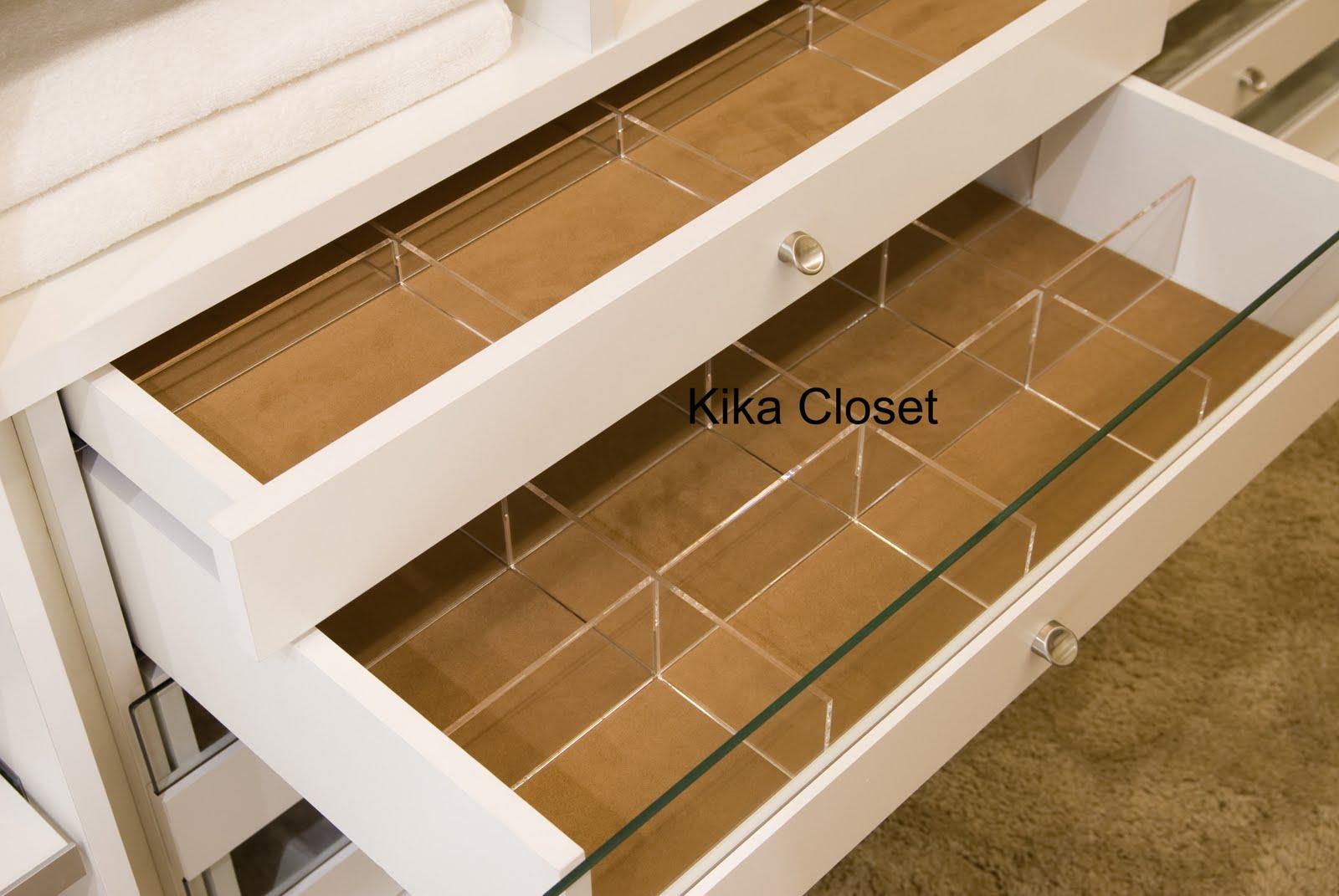 Kika Closet: Divisórias de acrílico nas gavetas #3C290E 1600x1071