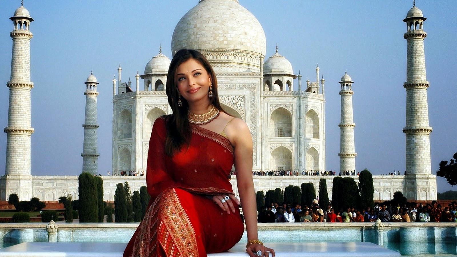 Aishwarya rai in red saree at taj mahal pictures