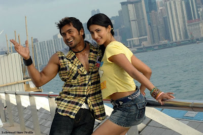 http://4.bp.blogspot.com/-YLVwULjz7XM/TmpThWsqXPI/AAAAAAAAIMY/K0yDOeWXgCg/s400/Surya%252C+Shruti+Haasan+Stills+In+7th+Sense+Movie+4.jpg