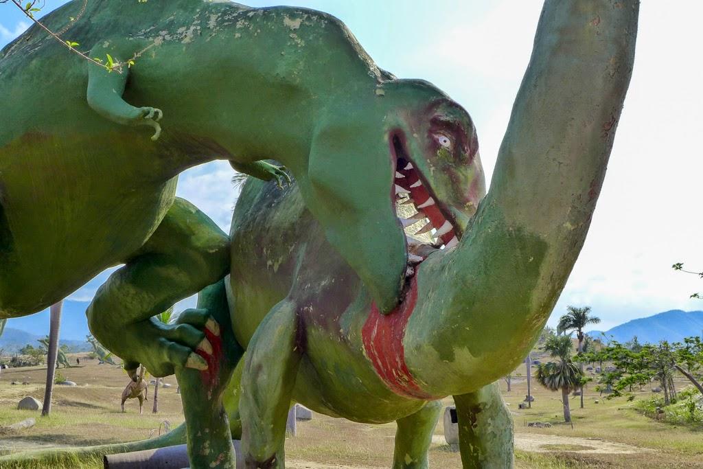 Baracoa Park Prehistoric Park dinosaurs fighting