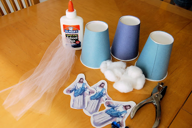 Tutorial for an Ascension Day craft + ideas for celebrating the Ascension of Jesus with KIDS!