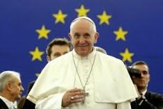 """Papež František vyzývá """"neplodnou"""" Evropu, aby zajistila """"přijetí imigrantů"""""""