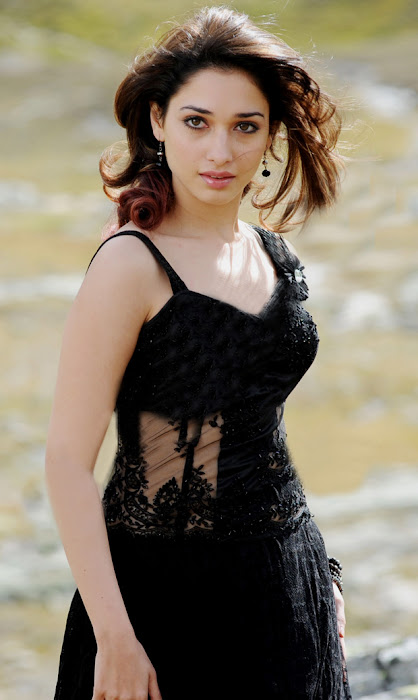 tamanna very in black dress photo gallery
