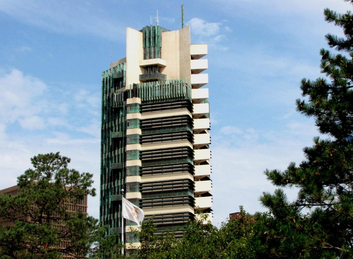 Tulsa gentleman cdpb theme edges price tower for Frank lloyd wright bartlesville