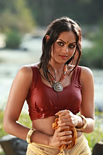 Karthika Nair sizzling Stills from Ravi Verma Telugu Movie Makaramanju