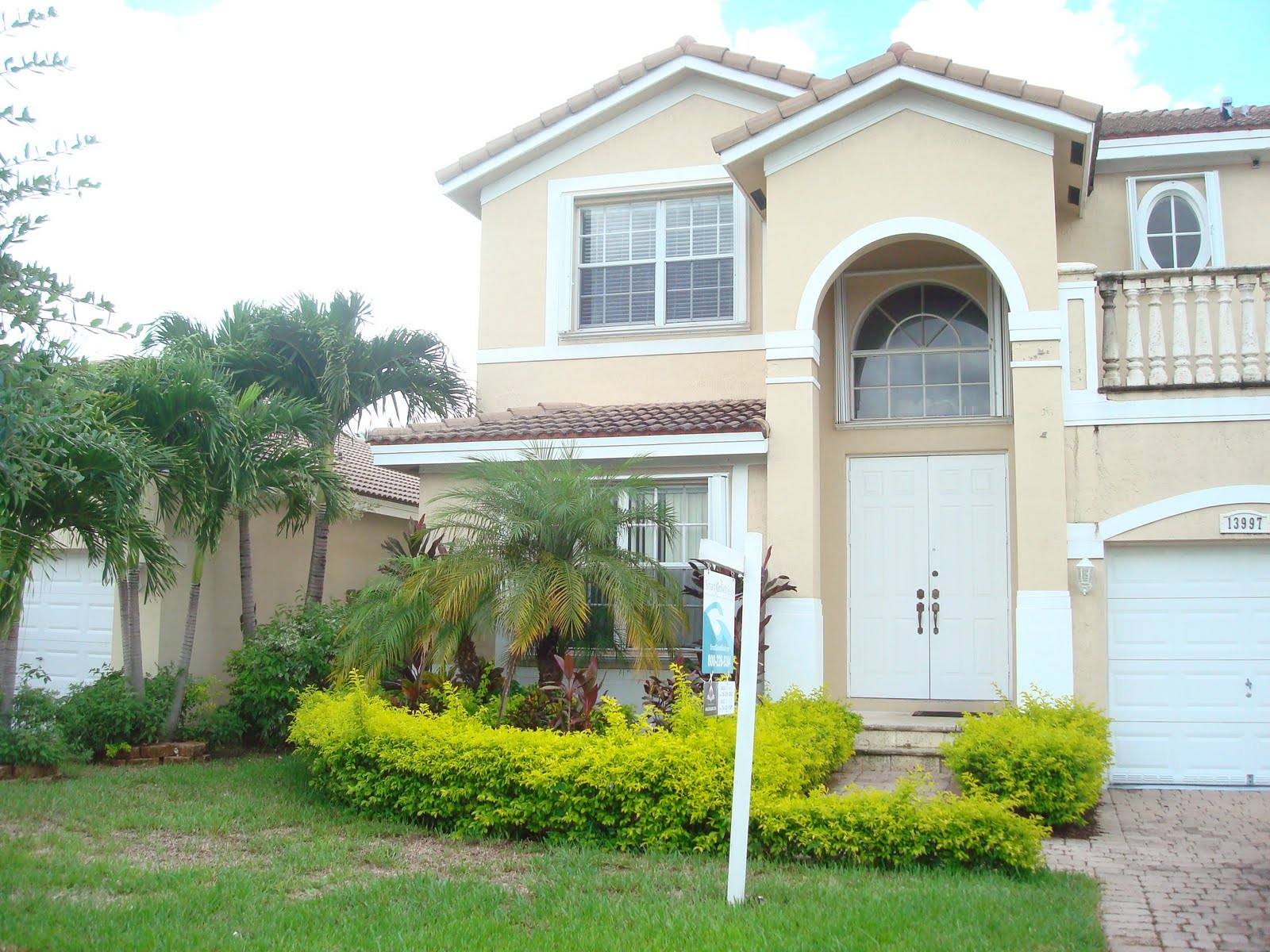 Approved short sale in kendall country estate in miami florida