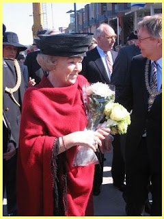 Reina Beatrix en acto oficial